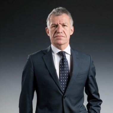 Carlo Mandelli, management