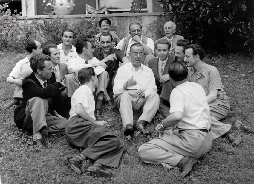 Arnoldo Mondadori con lo scrittore Thomas Mann. - Immagine concessa con licenza CC BY-SA 4.0