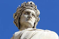 Dettaglio della statua di Dante Alighieri